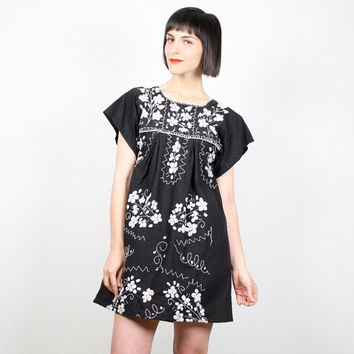 Vintage Mexican Dress Hippie Dress Black White Embroidered Floral Dress Boho Oaxacan Dress Festival Shift Dress Cotton Sundress M Medium