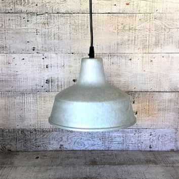 Ceiling Light Fixture Industrial Ceiling Light Galanized Metal Pendant Silver Ceiling Lamp Mid Century Kitchen Light Farmhouse Chic Light