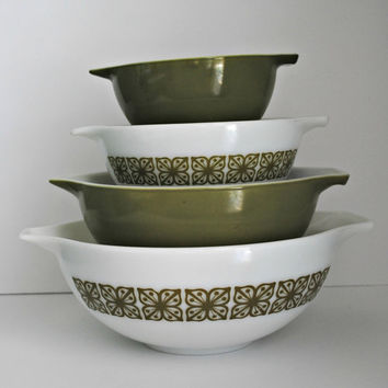 PYREX Square Flowers Verde Set of 4 Cinderella Mixing Bowls - (#500.39)