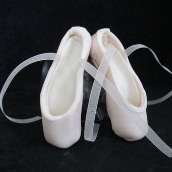 pointe shoe cake topper ballerina dancer ballet gumpaste edible sugar pink