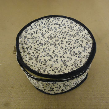 Cover Ups Dish Case 8in Diameter x 5in H White/Blue Floral Plastic -- Used