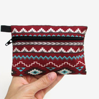 Tribal Coin Purse // Tribe Vibe // Tribal Print Fabric // Southwest Coin Purse // Southwestern Print Accessories // Zipper Pouch // Zip Bag