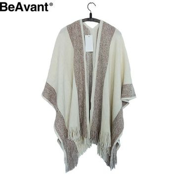 BeAvant Knitted shawl cardigan women cape Tricot crochet warm sweater poncho Autumn winter batwing sleeve fringe cloak 2016
