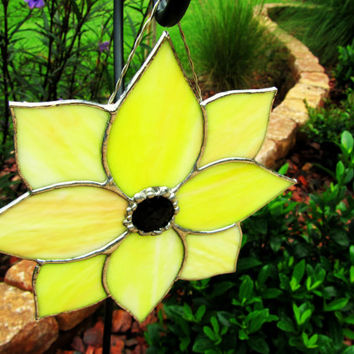 Stained Glass Yellow Flower Sun Catcher/ Light Catcher  ~ Flower Garden Decoration ~  Stained Glass Lawn Ornament ~ 7.25 X 7.25 Inches