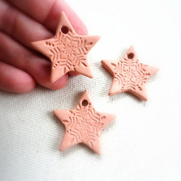 Christmas Star Ornament, Ceramic Aromatherapy Essential Scented Oil Diffuser Pendant, Eco-friendly