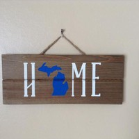 Michigan Home State Sign, Rustic Michigan Wall Art, Michigan Pallet Wall Decor, Gift For Graduate Or College Student, College Dorm Decor