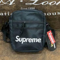 SUPREME New fashion single shoulder bag oblique straddle bag for men and women wallet small bag Black