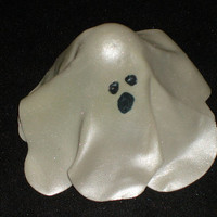 Gumpaste Ghost for Cakes anc Cupcake Toppers