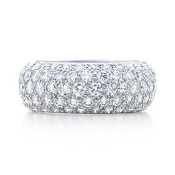 Tiffany & Co. -  Etoile five-row band ring with pavé diamonds in platinum.