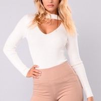 Alecia Choker Neck Sweater - Ivory