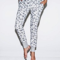 leopard all over slim fit sweat pants | women | zoe karssen