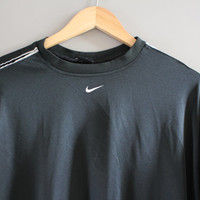 Nike T-shirt Nike Sweatshirt Black Oversized Pullover Long Sleeves Activewear Loose-fit Vintage Nike Retro 90s Size XL