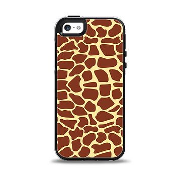The Simple Vector Giraffe Print Apple iPhone 5-5s Otterbox Symmetry Case Skin Set