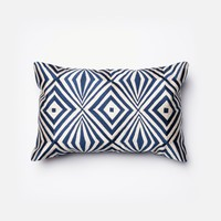 Loloi Navy / Ivory Decorative Throw Pillow (P0011)