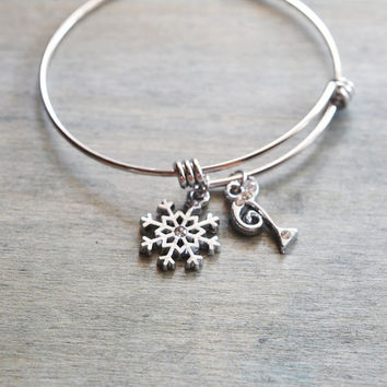 silver snowflake bangle, winder wedding bridesmaid gift, silver bangle, christmas gift, personalized bracelet, initial bangle, frozen snow