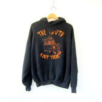 Vintage The Truth is out There alien sweatshirt. Baggy black UFO novelty hoodie. black sweater / M L XL