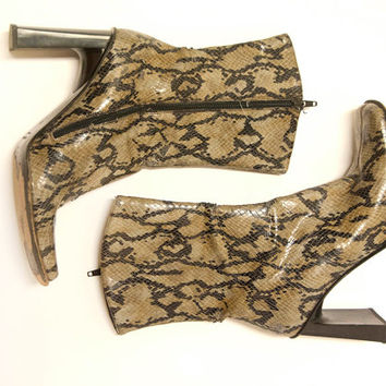 Italian Snakeskin High Heel Ankle Boots   Womens Vintage Booties Size 8 9 Italy 38   Square Toe Rocker Leather Chunky Heel Boots 70s 90s