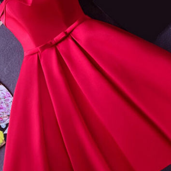 Strapless Red Knee-length Short Ribbon Homecoming Dress
