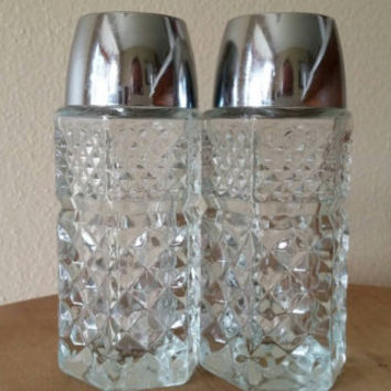 Vintage Anchor Hocking Salt and Pepper Shakers - Glass Collectible Salt and Pepper Shakers