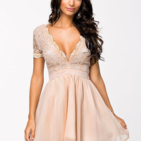 Scalloped Lace Prom Dress, Club L