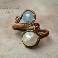 Wire jewelry, wire wrapped jewelry handmade, blue and off-white agate gemstone, Wire Wrapped Ring, copper jewelry, boho jewelry, rustic