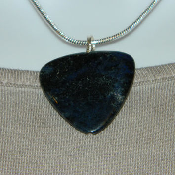 40ct. Dark Blue Stone, Semi Precious, Agate, Pendant, Necklace, Triangle, Natural Stone, 130-15
