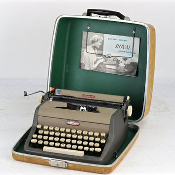 Royal Aristocrat Typewriter, Working Typewriter, Royal Aristocrat Working Typewriter, 1950's Royal Typewriter, Working Royal Typewriter