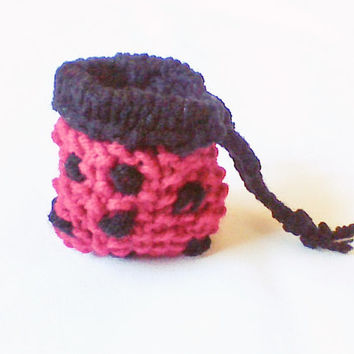 Lady bug hand knit coin pouch Drawstring bag Small knit purse Knit treasure bag small organizer tote accessory gift bag money purse wallet