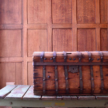 Antique Stagecoach Trunk, 1800s Jenny Lind Trunk, Antique Wood Trunk Metal Banding