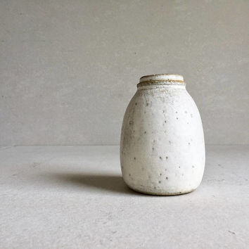WHITE LIDDED BOTTLE 24 oz, ceramic, pottery, handmade, coffee jar sugar jars, ceramic lidded jar, container, white bottle, storage, spice