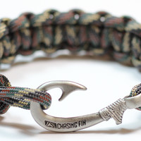 Cobra Braid Fish Hook Bracelet (Standard Camo)
