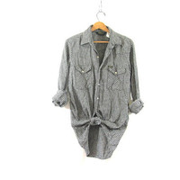 20% OFF SALE. Vintage Osh Kosh Plaid Flannel / Grunge Shirt with black and white / pearl snap buttons / size M