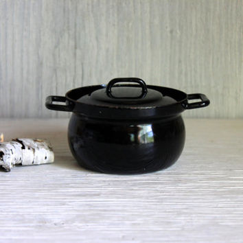 small vintage black enamelware pot // enamel ware bean pot // rusty pot with lid