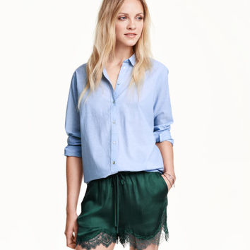 Satin Shorts with Lace - from H&M