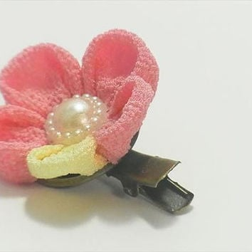 Japanese Kimono chirimen crepe fabric  Hair clip,accessories (pink flower)