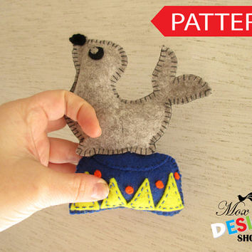 Stuffed Seal, Sea Lion with Podium PATTERN, Sew by Hand Felt Softie, PDF, Plush Sea Lion Pattern,  Est-Eng, Easy