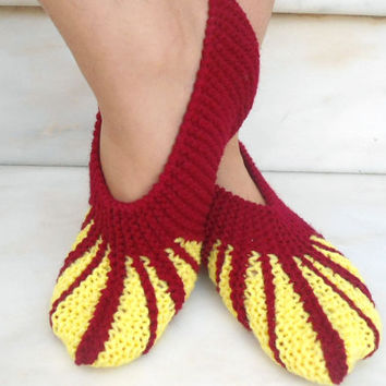 Warm Knitted Slippers - Woman House Slippers - Knitted Shoes - Home Clothing - Hostess Gift - Flat Slippers - Yarn Slippers
