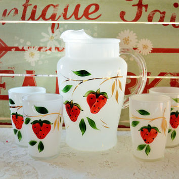 Bartlett Collins Strawberry Pitcher and Juice Glasses Set, hand painted gold accents on white. EXCELLENT Condition