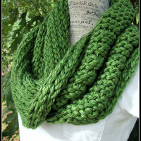 Knit Cowl. Infinity Cowl. Green Scarf. Chunky Scarf. Infinity Scarf. Avocado Cowl. Winter Cowl. Made by Bead Gs on ETSY.