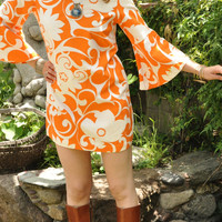 Flower Power 60s 70s Psychedelic Orange Dress Baby Doll Style Mini Dress Bell Sleeves  size S - M