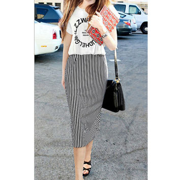 Black and White Graphic Print Striped Short Sleeve Blouson Midi Dress