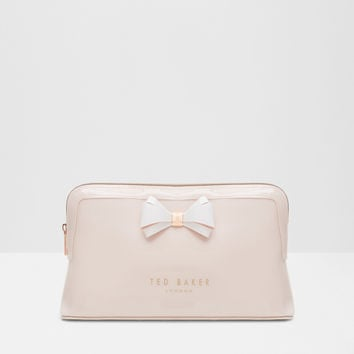 Curved bow large wash bag - Mid Pink | Gifts for Her | Ted Baker