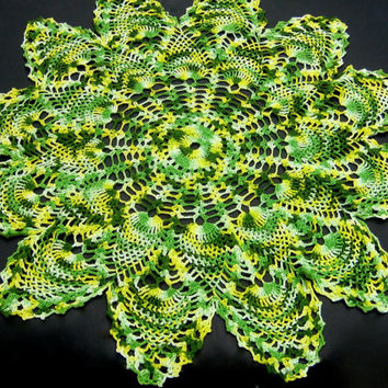 "Hand Crocheted Doily, Vintage Doily, 29"" Round Doily, Green Crocheted Centerpiece Small Tablecloth Vintage Linens, Large Crochet Centrepiece"