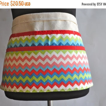 ON SALE Chevron utility Apron, Women's Vendor Apron, Rainbow Chevron Apron, Teacher apron, carpenter apron, Pink chevron apron
