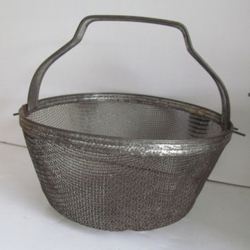 Prim Wire Basket Metal Strainer Collander Metal Baskets, Farmhouse Primitive Kitchen Utensil Vintage Kitchen Utensils Rustic Kitchen Decor