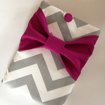 "Macbook Pro 13 Sleeve MAC Macbook 13"" inch Laptop Computer Case Cover Grey & White Chevron with Dark Pink Bow"