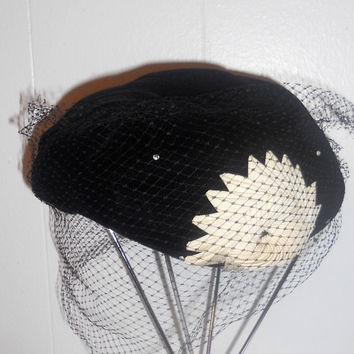 Vintage 1940s Lord and Taylor Hat by houseofheirlooms on Etsy