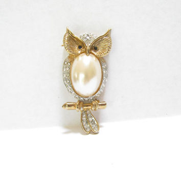 Vintage Owl Brooch Pin - Faux Pearl Cabochon and Rhinestone - Gold Tone