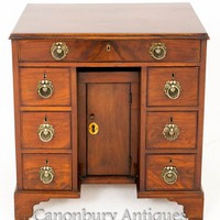 Canonbury - 18th Century Georgian Mahogany Knee Hole Desk