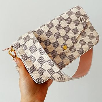 LV Classic Three-Piece bag (accommodating mobile phone documents, cash, key lipstick, etc.)White